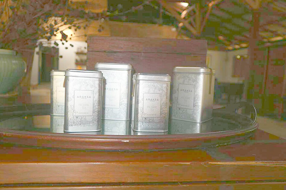 araksa tea tins